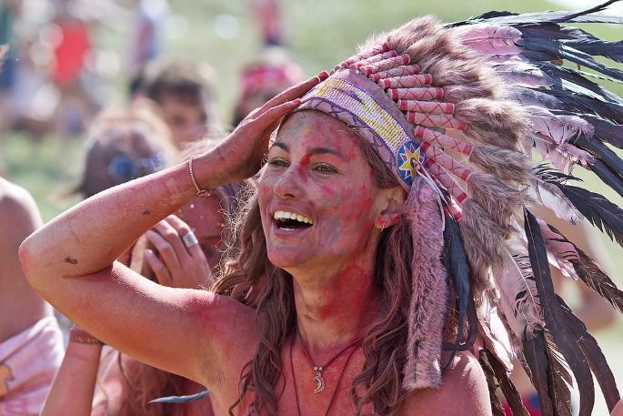 Festival goer in Native American headdress