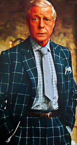 Duke of Windsor - Dramatic dresser