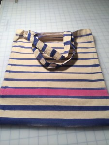 Striped canvas bag made with textile spray paints