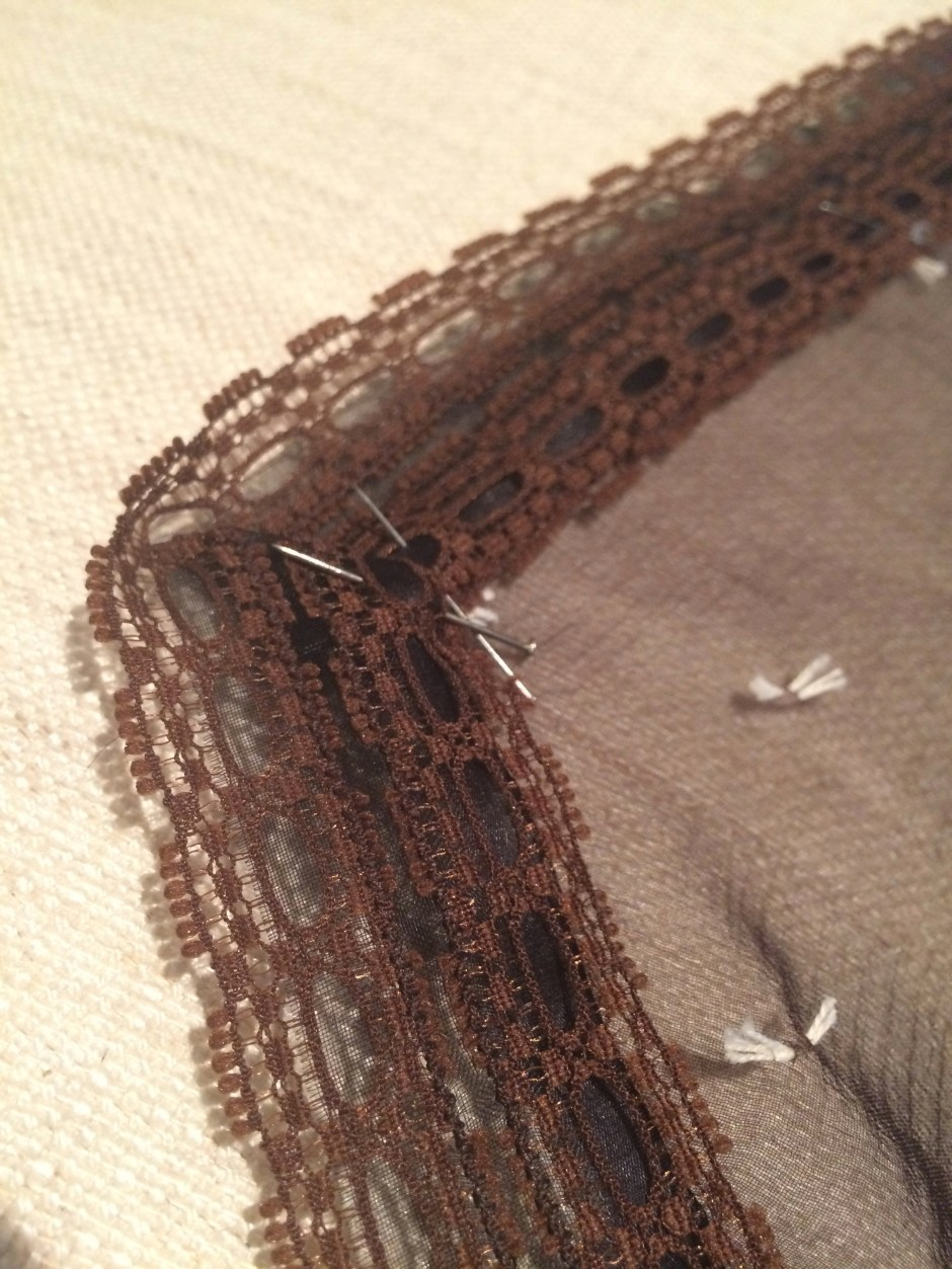 Attaching a mitred corner to a bodice