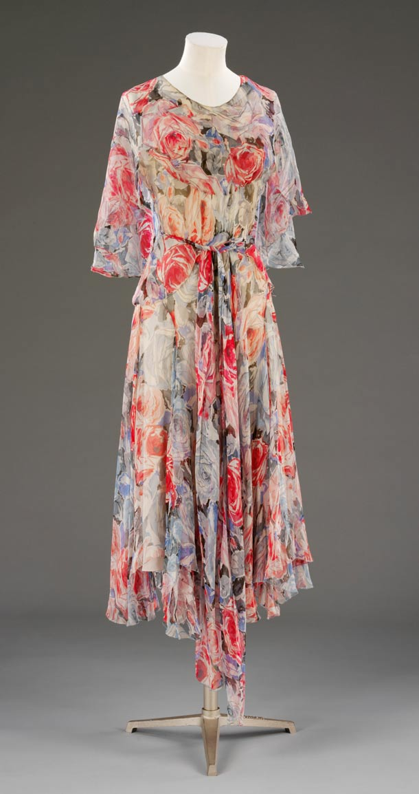 Vionnet tea dress (V&A)