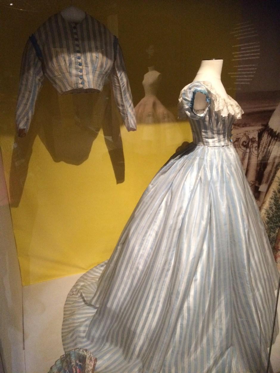 c1865 Transformation dress
