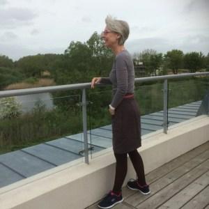 20. Dark brown linen skirt Vogue 1247  with RTW T