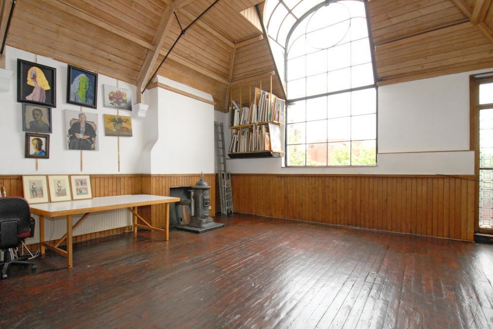 Talgarth Road studios interior)