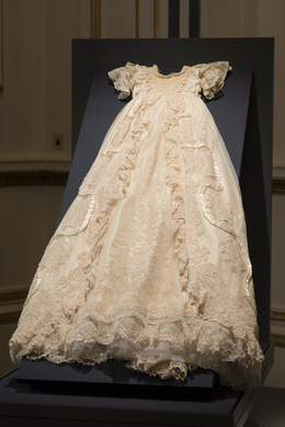 Royal Christening gown (reproduced)
