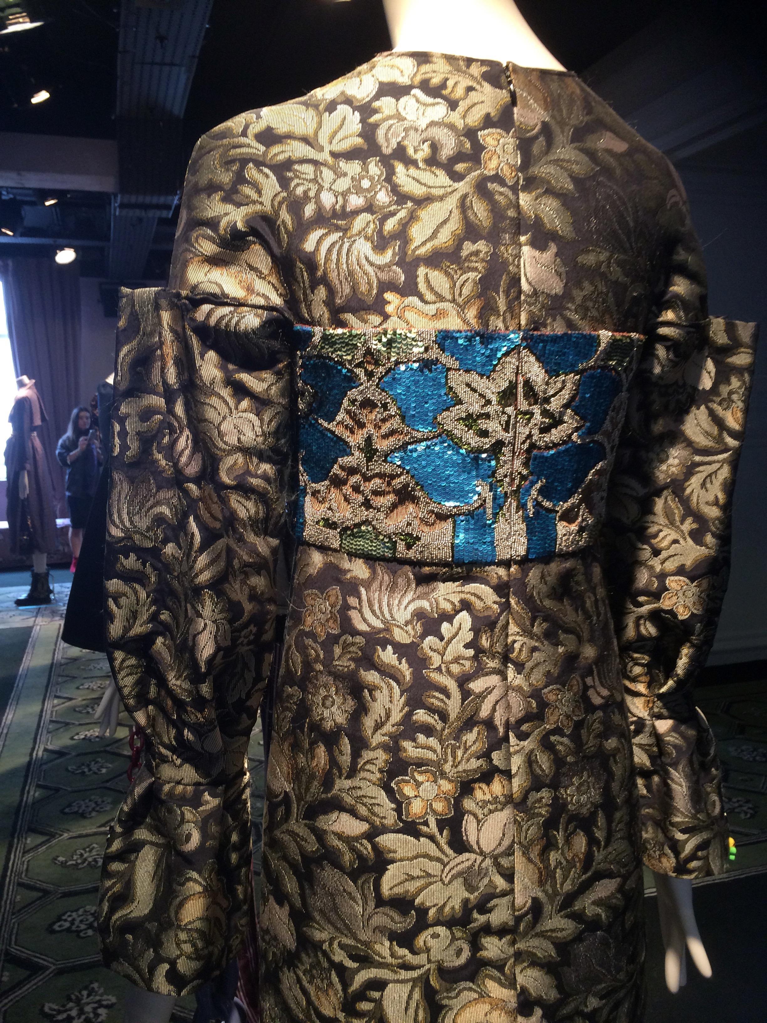 Brocaded Obi coat Burberry 2016/17