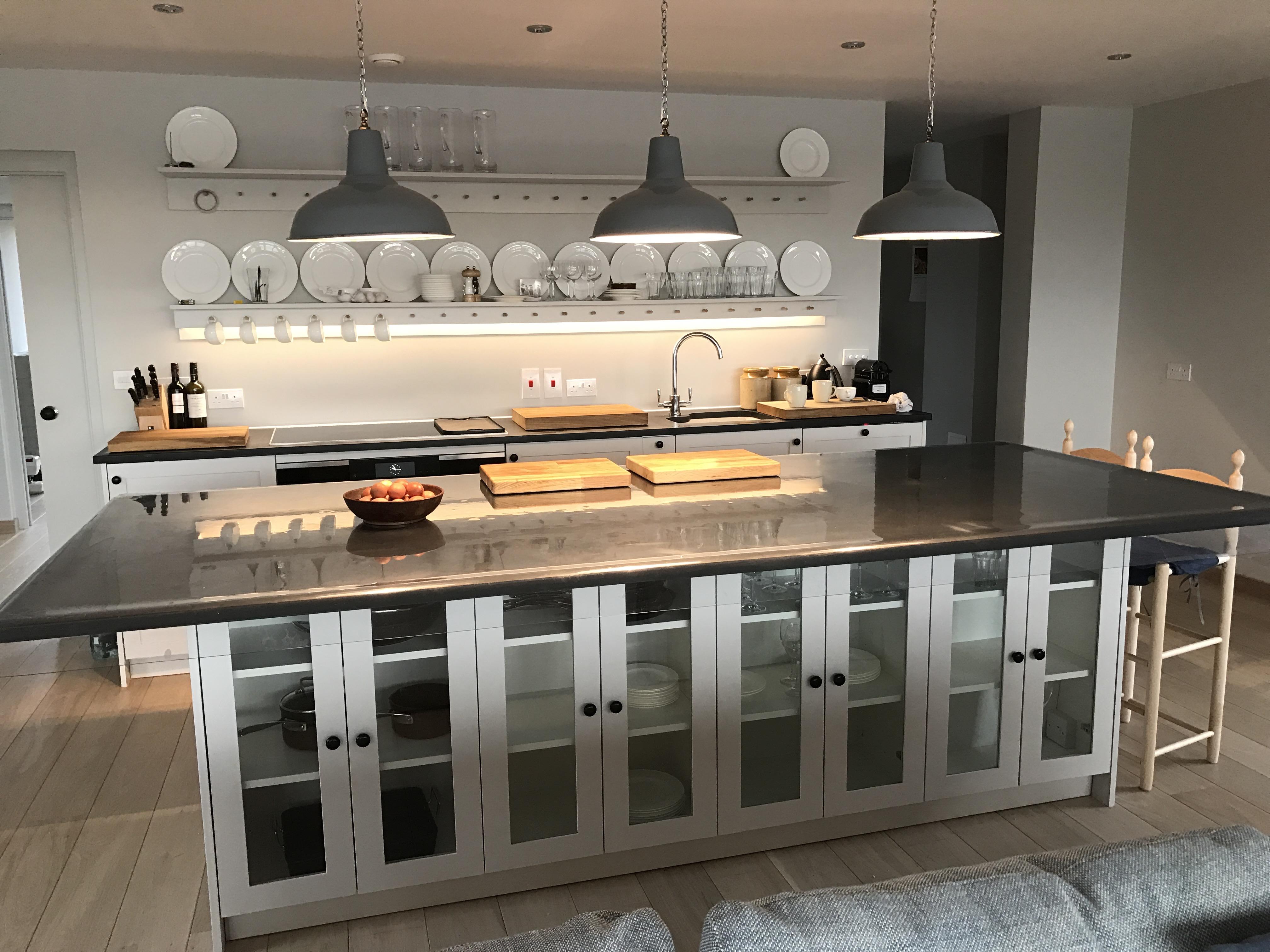 Kitchen table/units