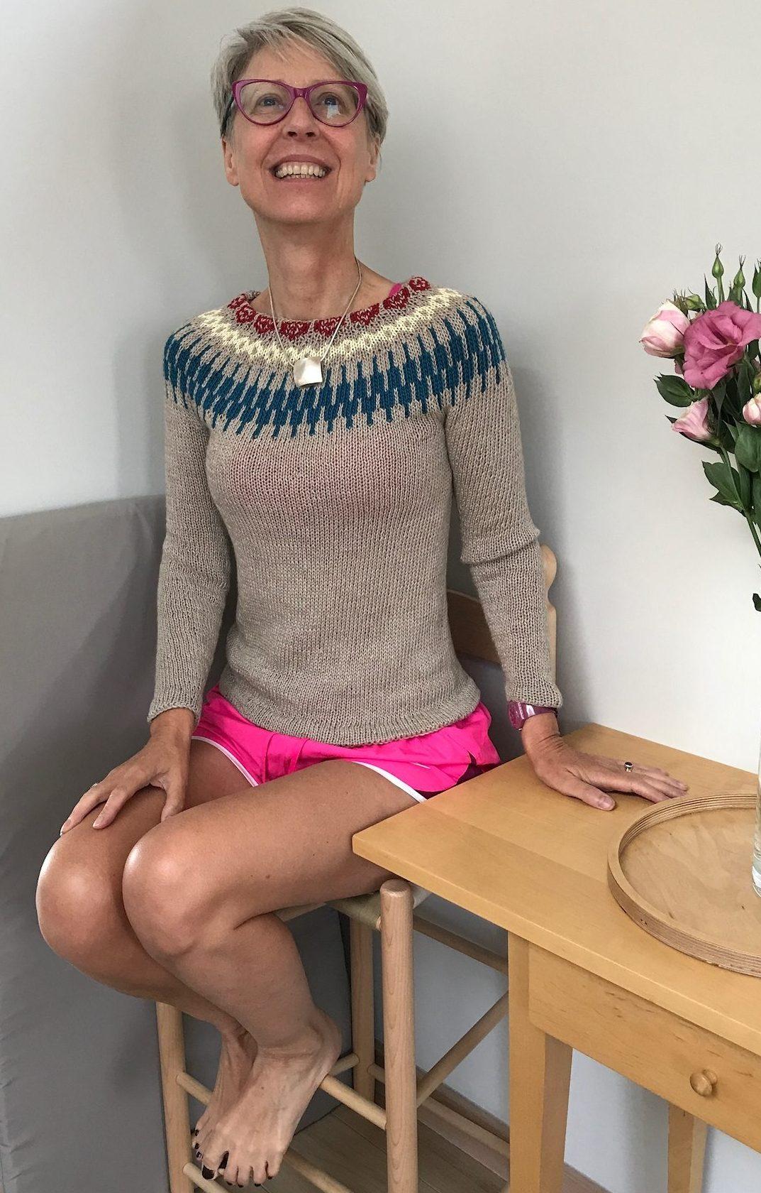 Kate in beige EZ colourwork yoke sweater
