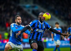 Romelu Lukaku of FC Internazionale fights for the ball against Konstantinos Manolas of SSC Napoli during the Coppa Italia 2019/20 match between FC Internazionale vs SSC Napoli at the San Siro Stadium, Milan, Italy on February 12, 2020 - Photo Fabrizio Carabelli