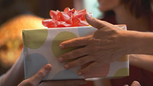 """7 in 10 people in the UK with """"gift envy"""" steal gifts bought for friends"""