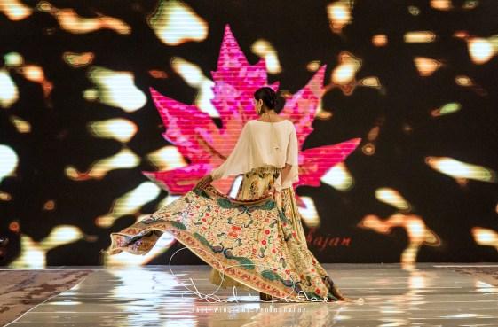 Sonia Mahajan Catwalk Show At Pakistan Fashion Week London 2017 (1)