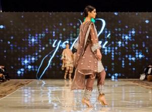 Yatashi Catwalk Show At Pakistan Fashion Week 2017 (19)