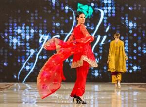Yatashi Catwalk Show At Pakistan Fashion Week 2017 (9)