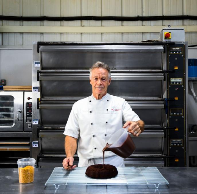 Cake Baker Mike Wallace UK