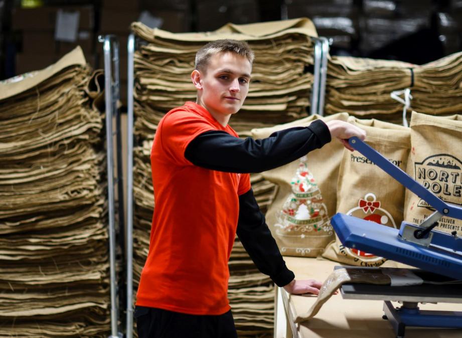 Stocking Maker Tom Count UK (1)