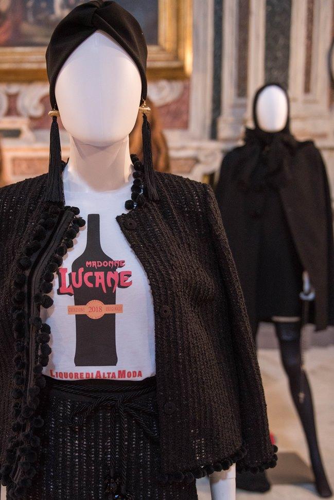Mostra (rid) madonne lucane. vestiti che profumano d'incenso.5 ph. enzo dell'atti
