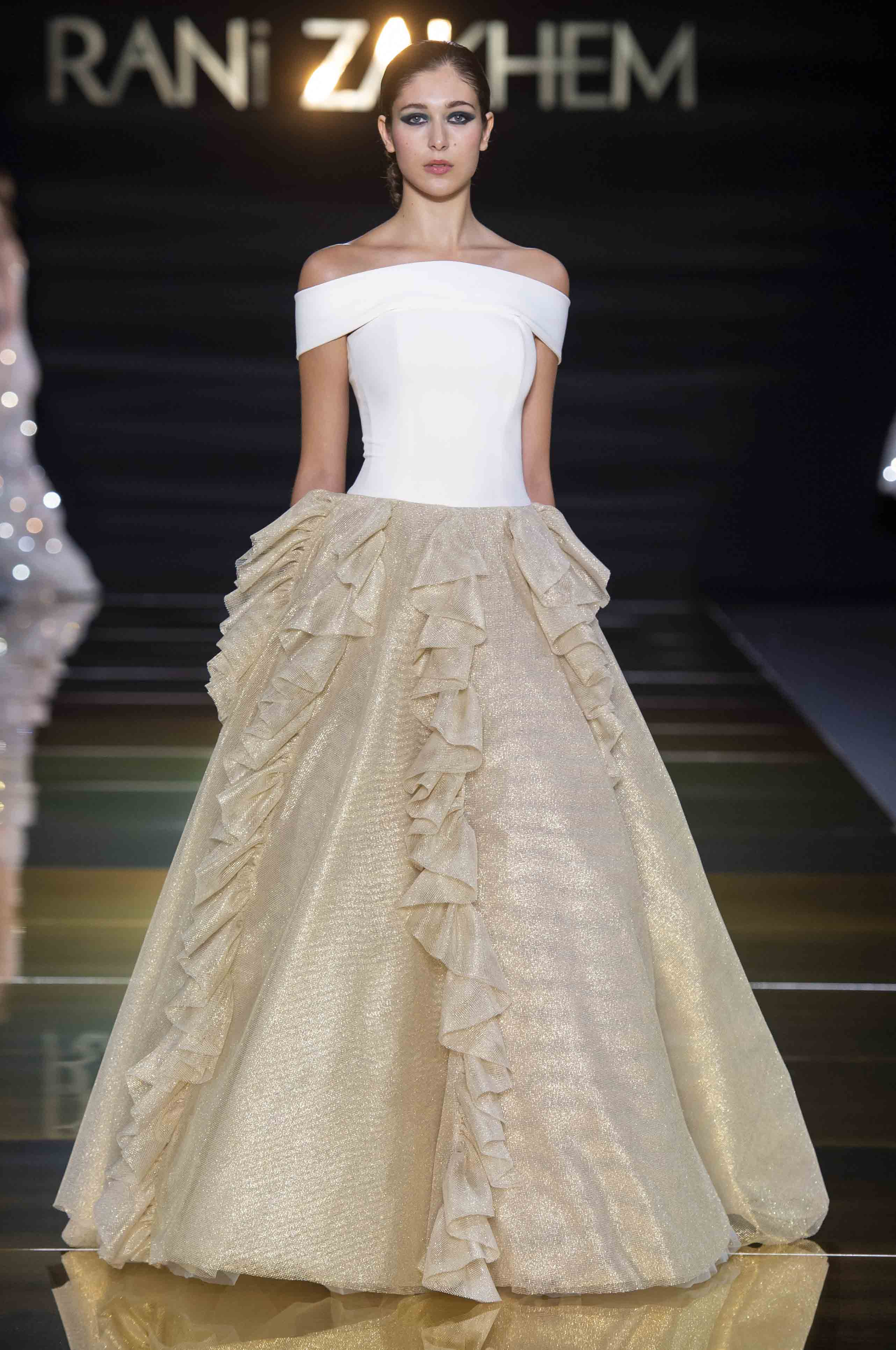 Rani zakhem couture collection automne hiver fall winter 2018 2019 pfw © imaxtree (4)