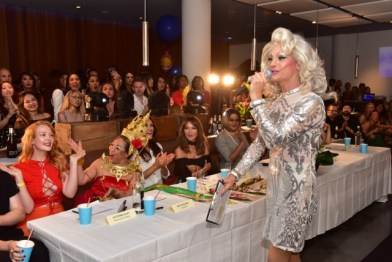Hostess with the mostess cookie monster with the celebrity judges