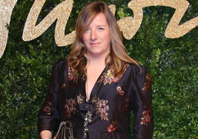 Sarah burton to be honoured with the trailblazer award