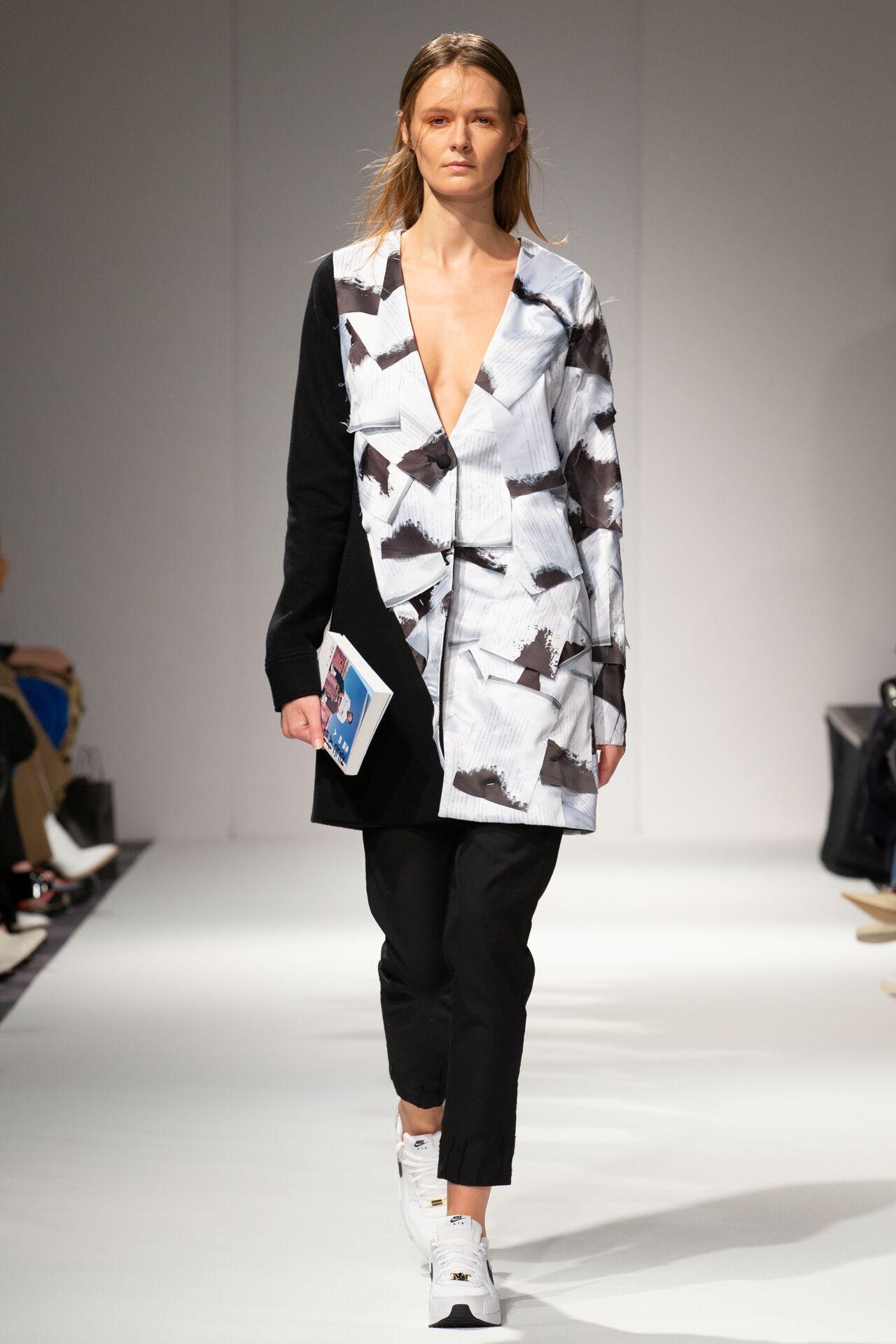 Apujan aw20 show during london fashion week (7)