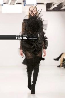 Antonia nae aw20 during london fashion week (5)