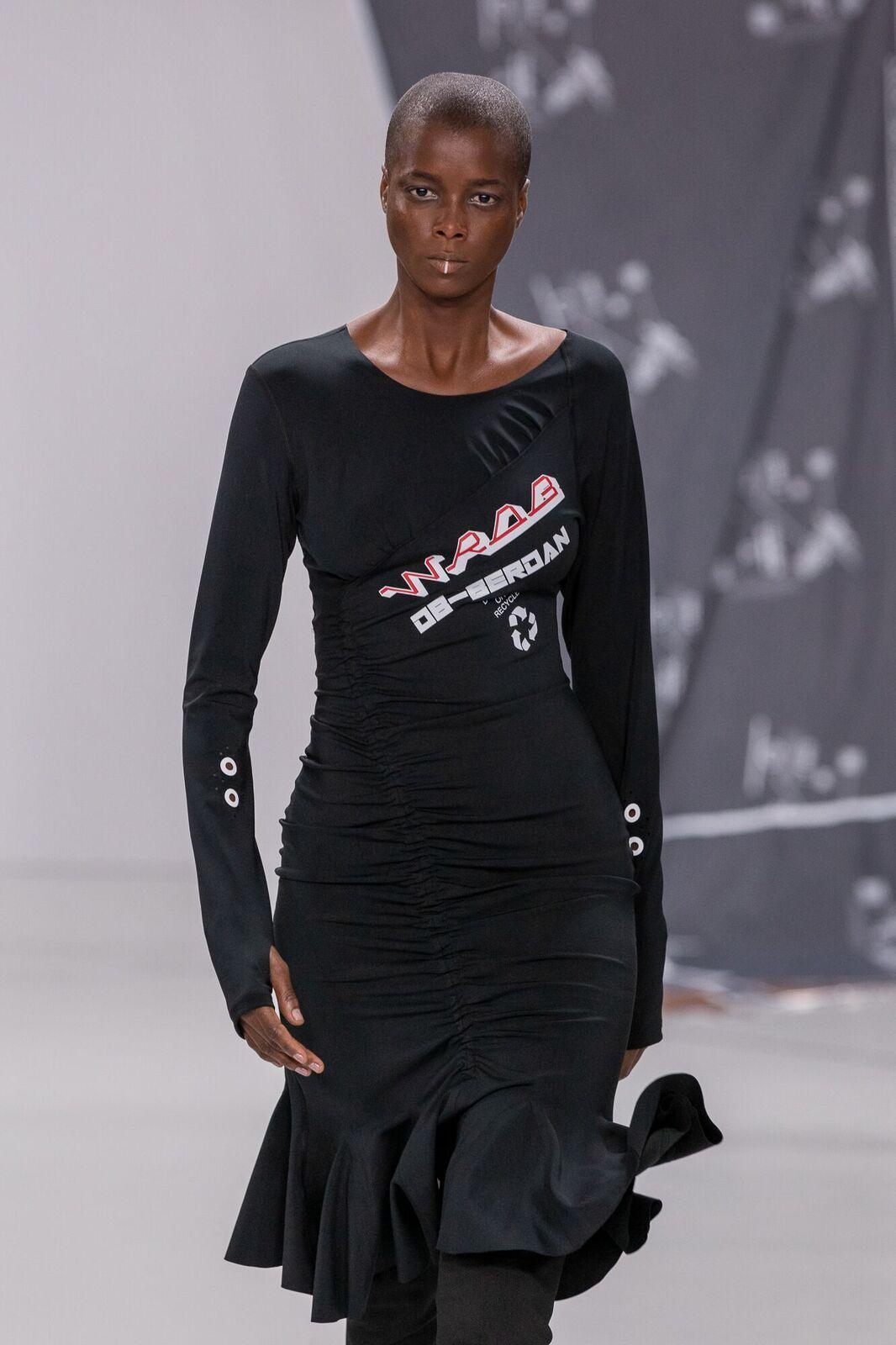 Db berdan aw20 during london fashion week (3)