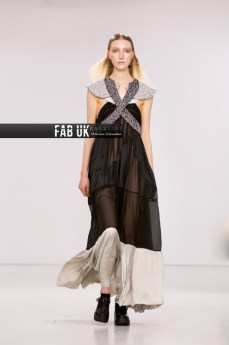 Louis de gama aw20 during london fashion week (5)