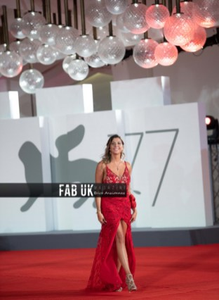 Claudia conte at 77th venice film festival (4)