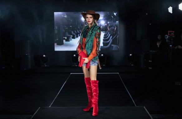 Tsiganova & konyukhov art designed by viktoria tsiganova at mercedes benz fashion week russia (16)