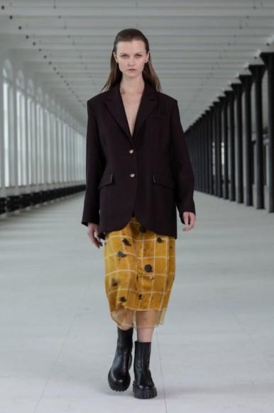 Nehera during paris womenswear week fall winter 20212022 (6)