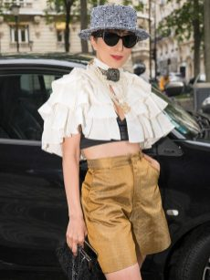 Chanel fall winter 202122 haute couture streetstyle (13)