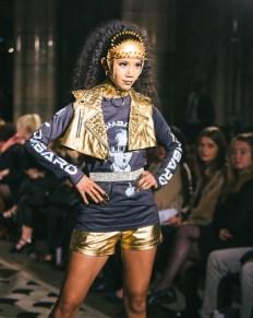 Celebrity fashion designer michael lombard steals the show at paris fashion week (5)