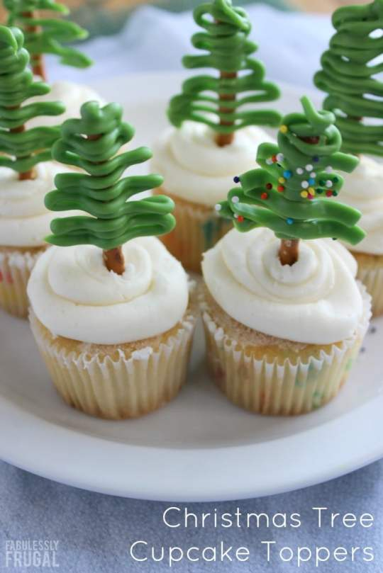 christmas-tree-cupcake-toppers