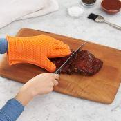 Amazon: 1 Pair AmazonBasics Silicone BBQ Gloves $3.64 (Reg. $11.99)
