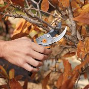 Amazon: Fiskars Steel Bypass Pruning Shears $8.97 (Reg. $12.99) - FAB Ratings!