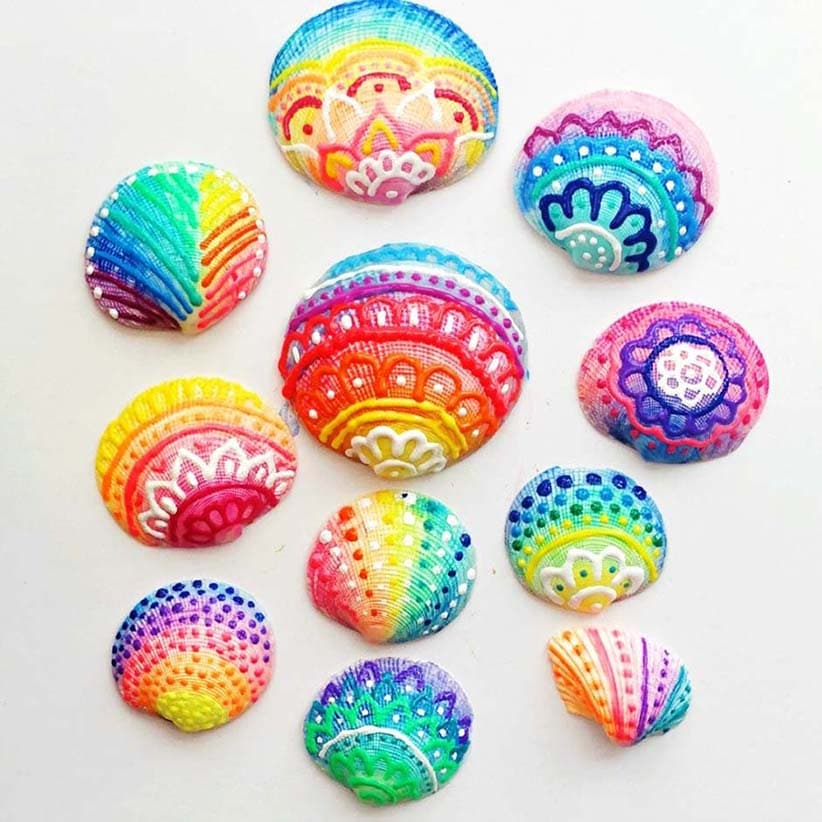 Puffy paint seashells