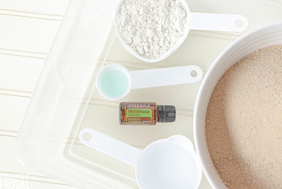 DIY kinetic sand ingredients