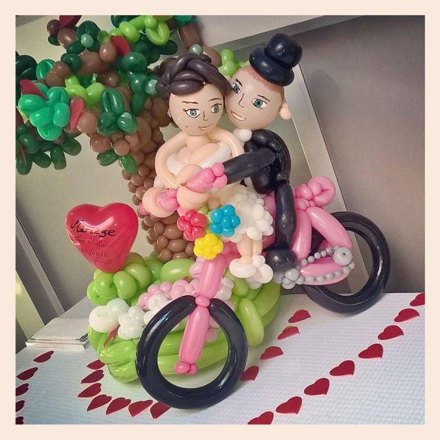 mariés vélo sculpture ballons