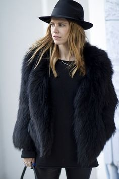 give-fur-an-all-black-look-2