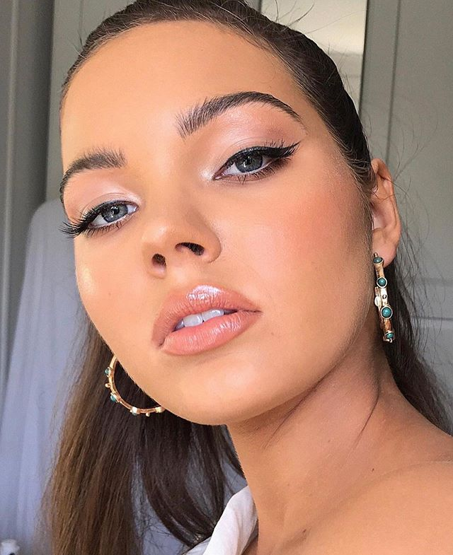 42 Stunning natural makeup ideas that you should try, best makeup looks, natural makeup looks for wedding, natural makeup looks for brown skin, best makeup looks 2019, makeup looks 2019, best makeup looks 2019, celebrity makeup looks 2019, natural makeup looks, best makeup looks for brown eyes
