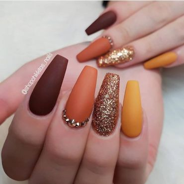 14 Glamorous nail art designs, glam nail designs, nail art designs 2020, beautiful nail art designs images, latest nail art designs gallery, nail art designs 2019, latest nail art designs gallery 2019 #nailart #naildesigns