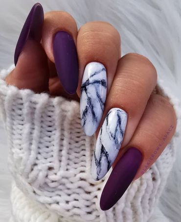 Beautiful mismatch marble nail art designs, marble effect nail designs, nail art designs, mismatched nail designs #nailart #naildesigns #marblenails