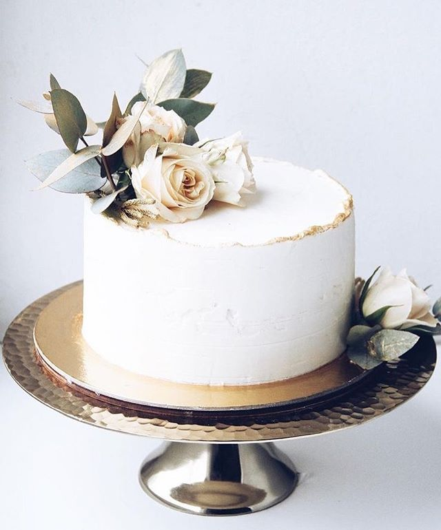 wedding cakes, wedding cake ideas, wedding cake trends, wedding cake 2020, spring wedding cake , wedding cake designs, wedding cake pictures #weddingcakes