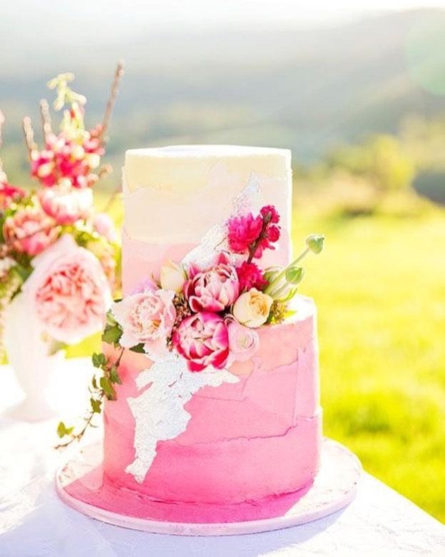 Beautiful Wedding Cake Trends For 2020 - 19, wedding cakes, wedding cake ideas, wedding cake, wedding cake trends, wedding cake trends 2020, spring wedding cake , wedding cake designs, wedding cake pictures #weddingcakes