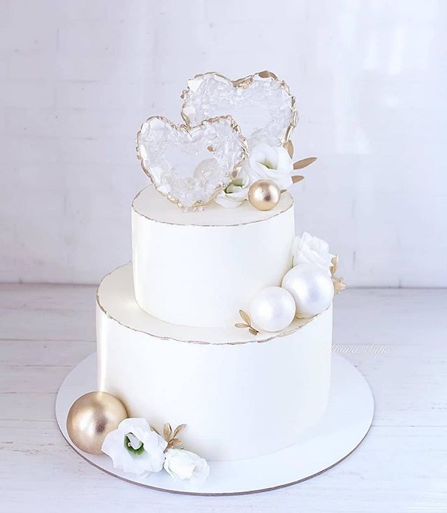Beautiful Wedding Cake Trends For 2020 - 4, wedding cakes, wedding cake ideas, wedding cake, wedding cake trends, wedding cake trends 2020, spring wedding cake , wedding cake designs, wedding cake pictures #weddingcakes
