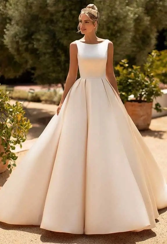 simple ball gown wedding dress, simple wedding dress, wedding dress with pockets, simple ball gown, wedding dress , wedding dresses with pockets #weddingdress