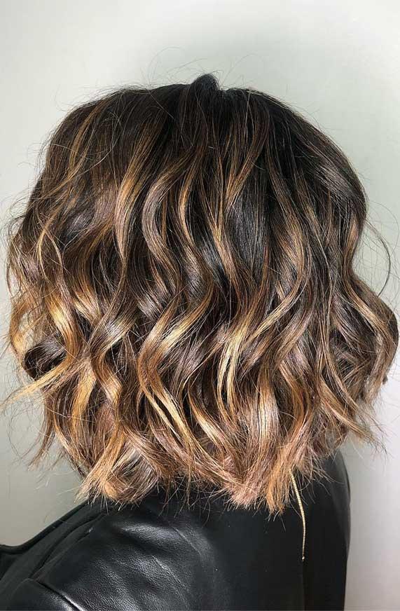 Short Wavy Haircut With Highlights Fab Wedding Dress Nail Art Designs Hair Colors Cakes