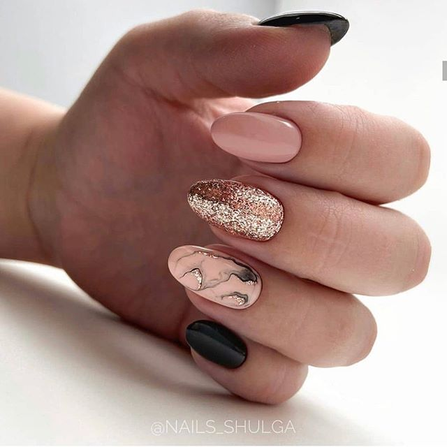 best nail art designs to try this spring & summer 2020, mismatched nail art designs #nailart #naildesigns short nail art designs, nail art ideas, nail art designs 2020, nail art, short nail ideas, nail colors , glitter nails