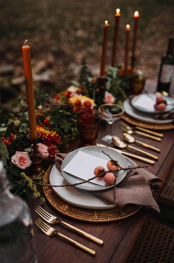 Autumn wedding color palette in dark blue & autumn colors, fall wedding table ideas, fall wedding tablescape #wedding #weddintable #fallwedding