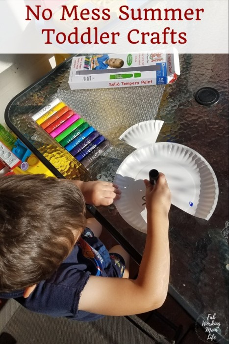 Looking for No Mess Summer Toddler Crafts? Look no further because Kwix Stix are a no-mess way to paint! | Fab Working Mom Life #parenting #toddlers #toddlercraft #toddleractivity